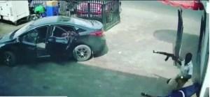 "Zenith Bank Robbery; ""Why Brave Policeman Had To Run Away During Shootout"". [Photos]"